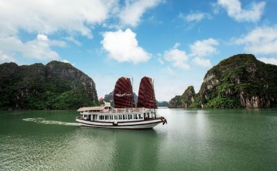 Bai Tu Long full day on Swan day cruise